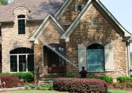 pressure washing house service in the woodlands